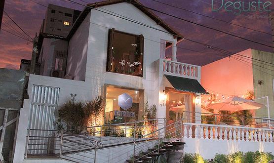 Between Food & Gallery